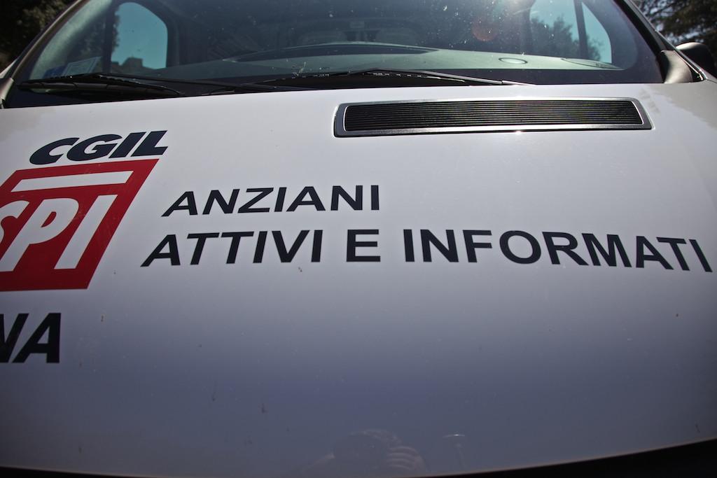 31-3-2014 inaugurazione ufficio mobile SPI di Siena