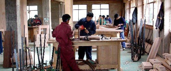 8 luglio mobilitazione per il contratto legno lapidei for Legno arredamento trova lavoro in toscana
